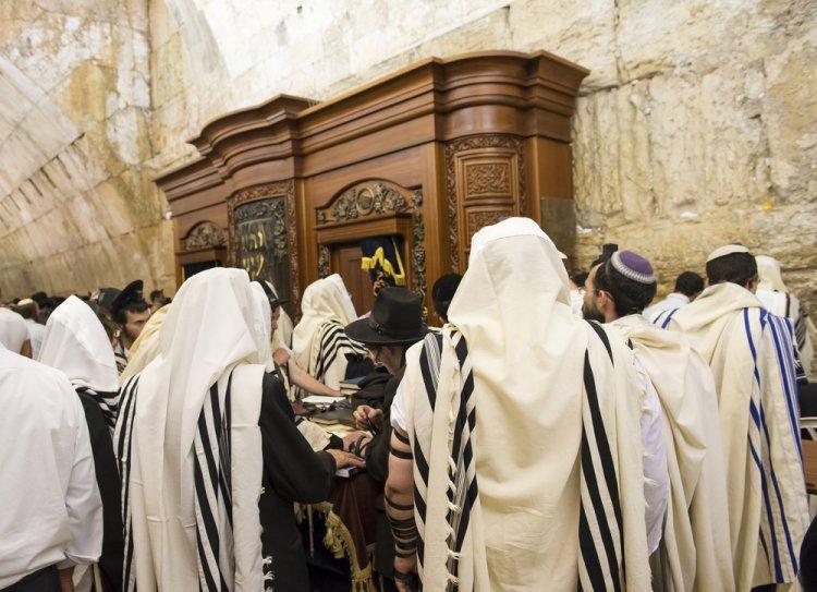 Photo of Kédochim : Tu nous as sanctifiés par Tes commandements