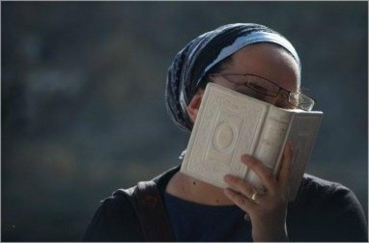 Photo of Vayehi. Quel est le mérite des femmes?