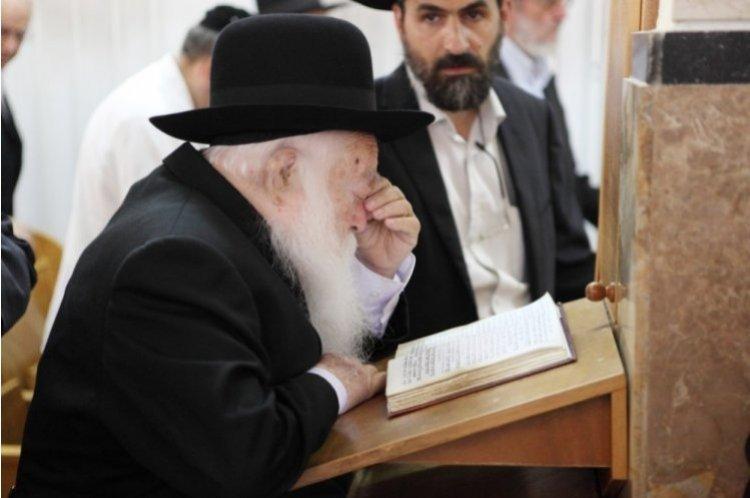 Photo of La promesse de Rav 'Haim Kanievsky : «Etudie tout le Talmud et tu t'enrichiras ! »