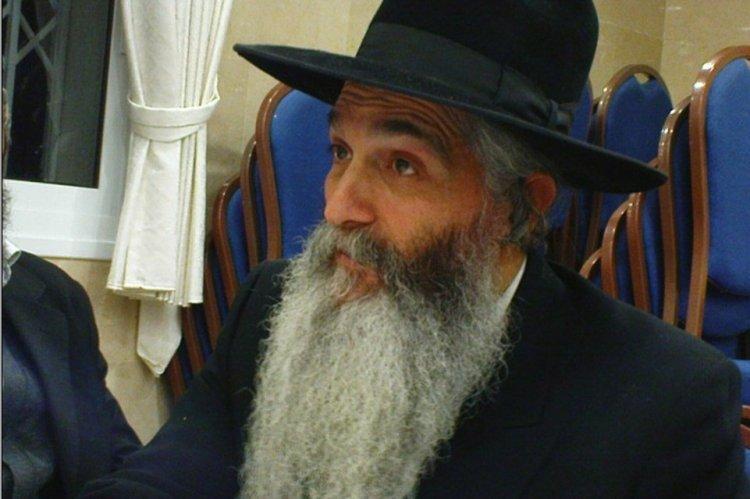 Photo of Le Rav David Abouhatsira m'a assuré que ce Sefer Tora serait certainement présent au Bet Hamikdach.