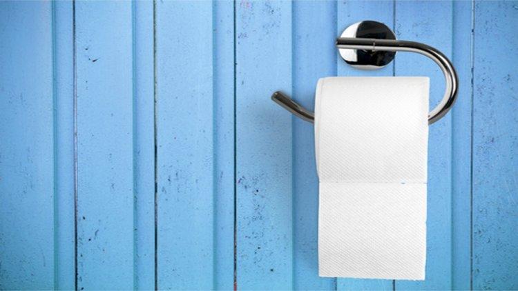 Photo of Couper du papier de toilette le Chabat