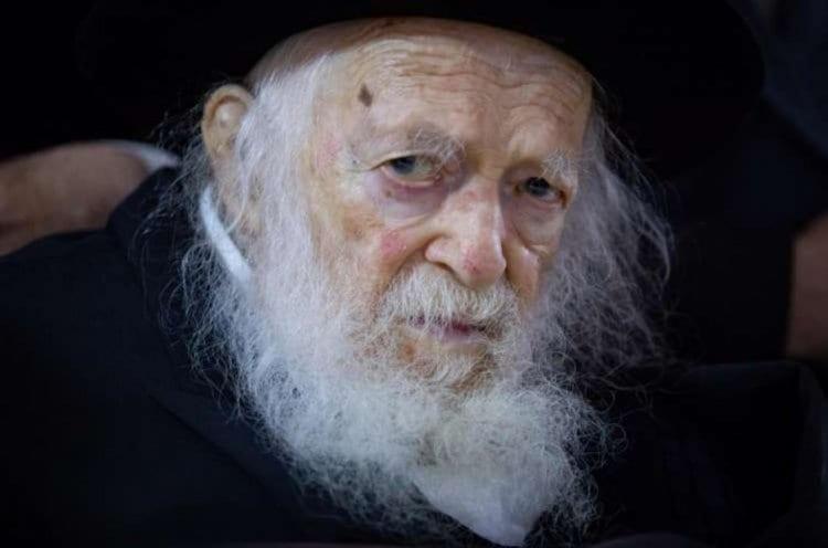 Photo of Le Gaon Rav 'Haïm Kanievsky a demandé d'ajouter le nom d'A'hachvéroch au malade. Vous ne le croirez pas si je vous disais pourquoi…