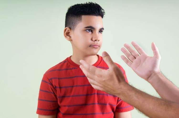 Photo of Rav Zamir Cohen : J'ai refusé quelque chose à mon enfant, mais j'ai eu tort…