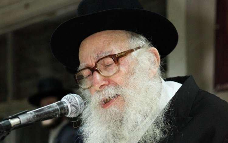 Photo of Qu'a répondu le Rav Nissim Karelitz à une femme violente ayant débarqué chez lui ?